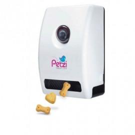 Petzi, the connected smart treat dispenser