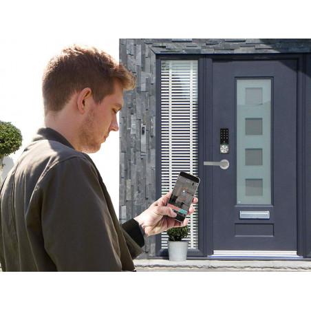 KeyWe, a smart and secure door lock
