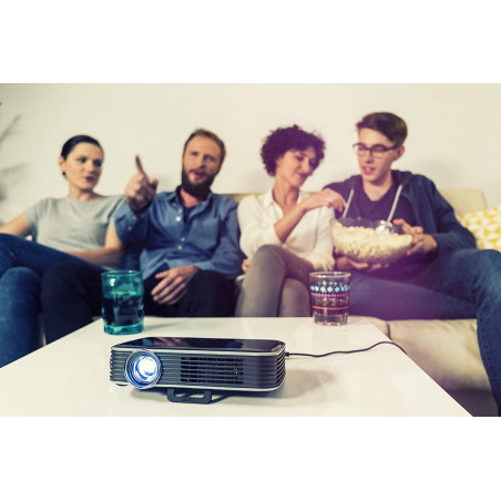 Vivitek Qumi Q8, the pocket projector
