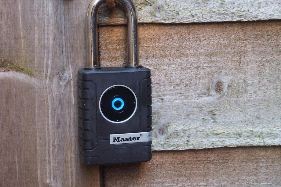 Master-Lock-Smart-Outdoor-Padlock-920x61