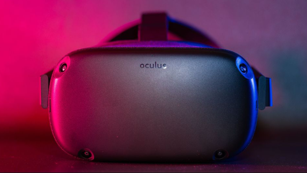 Oculus Quest, all-in-one gaming headset - One Fantastic Shop
